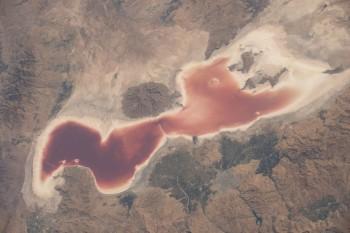 Jezioro Urmia wpółnocnym Iranie wydaje się być dowodem zmian klimatycznych.