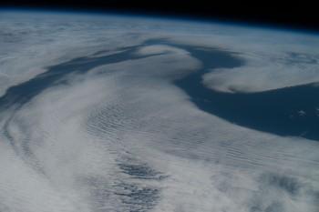 Chmury nadpółnocno-wschodnim Oceanem Atlantyckim.