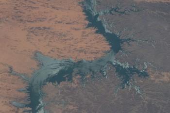Jezioro Nasera w Egipcie.