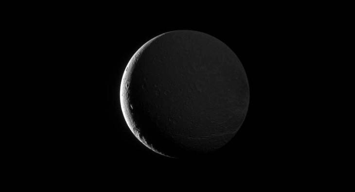 Dione - księżyc Saturna