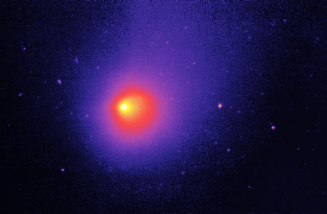 Kosmiczny Teleskop Spitzera uchwycił obraz komety 29P/Schwassmann-Wachmann, naktórejzachodzą częste wybuchy mogące mieć swoje źródło wkriowulkanizmie.