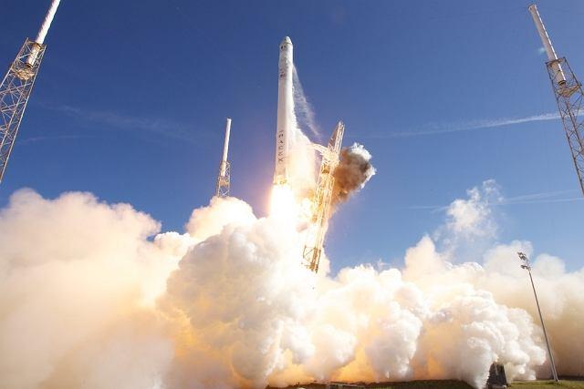 Pierwszy stopień rakiety Falcon 9 został już użyty w czasie misji statku transportowego Dragon z zapasami dla Międzynarodowej Stacji Kosmicznej w kwietniu 2016 roku.