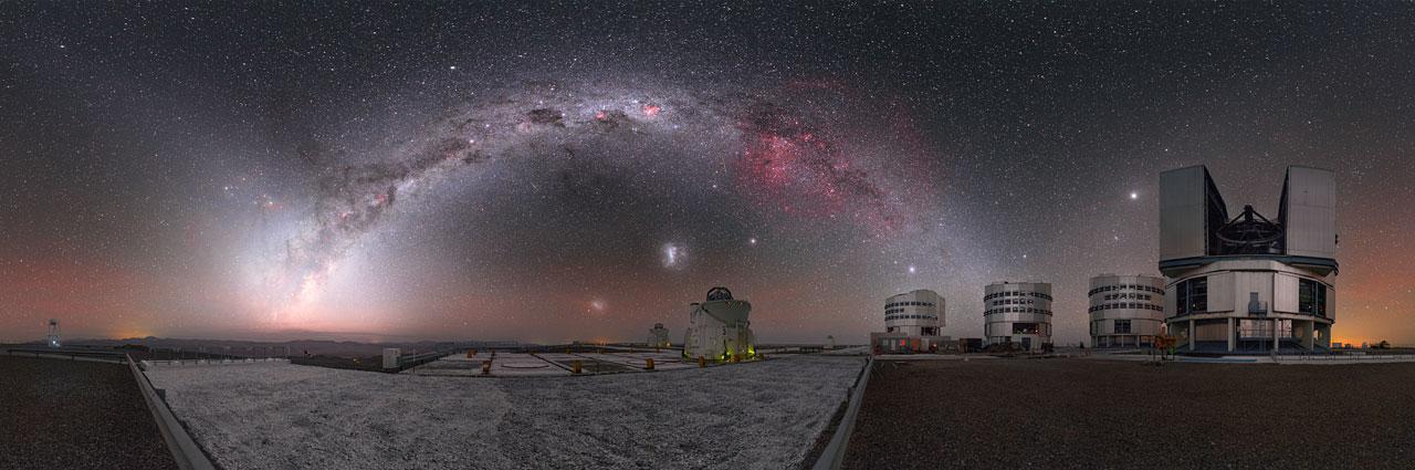 Niebo nad Obserwatorium Paranal