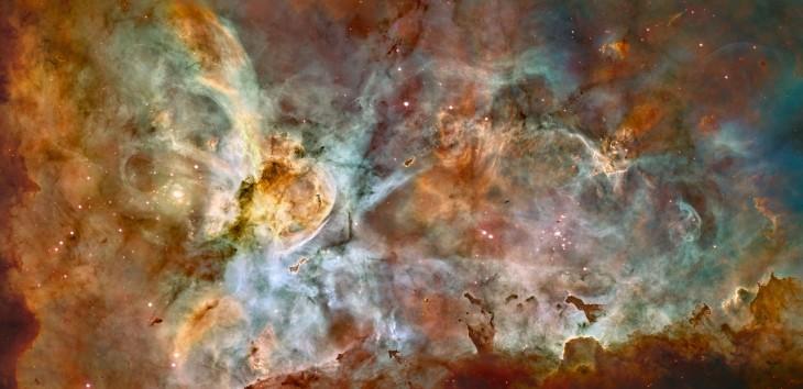 Zdjęcie wykonano w2007 r. Kolor czerwony odpowiada emisji siarki, zielony – wodoru, aniebieski – tlenu.