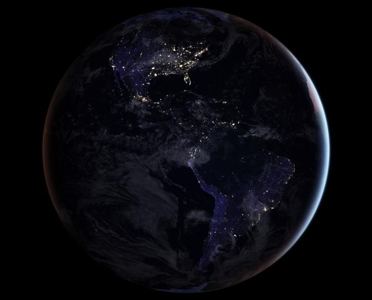 Ziemia nocą - jeden z trzech obrazów nocnej półkuli ziemskiej