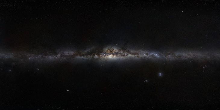 """""""Panorama"""" Drogi Mlecznej widzianej z Ziemi."""