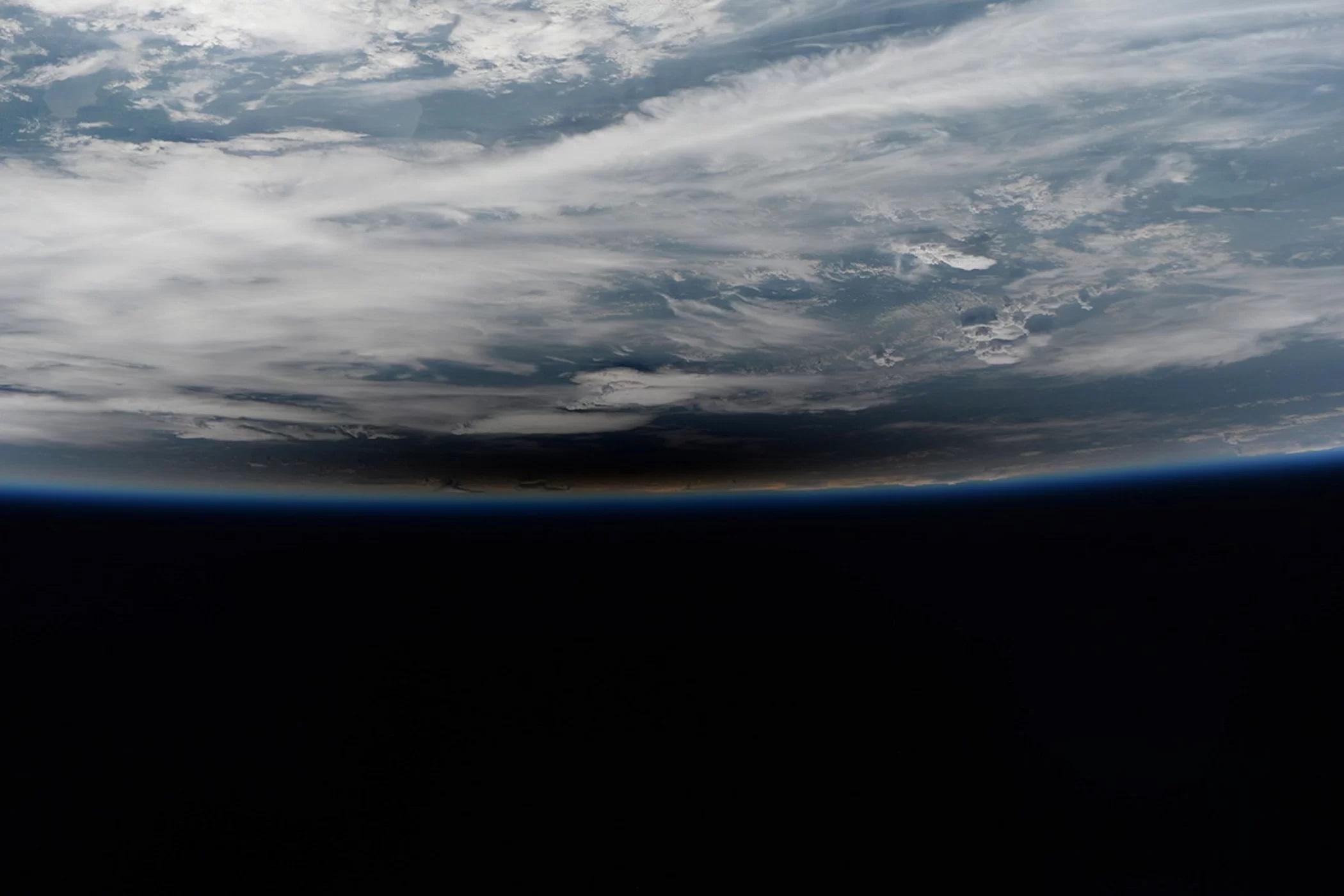 Zdjęcie wykonane przez Paoliego Nespoliego podczas pełnego zaćmienia Słońca.