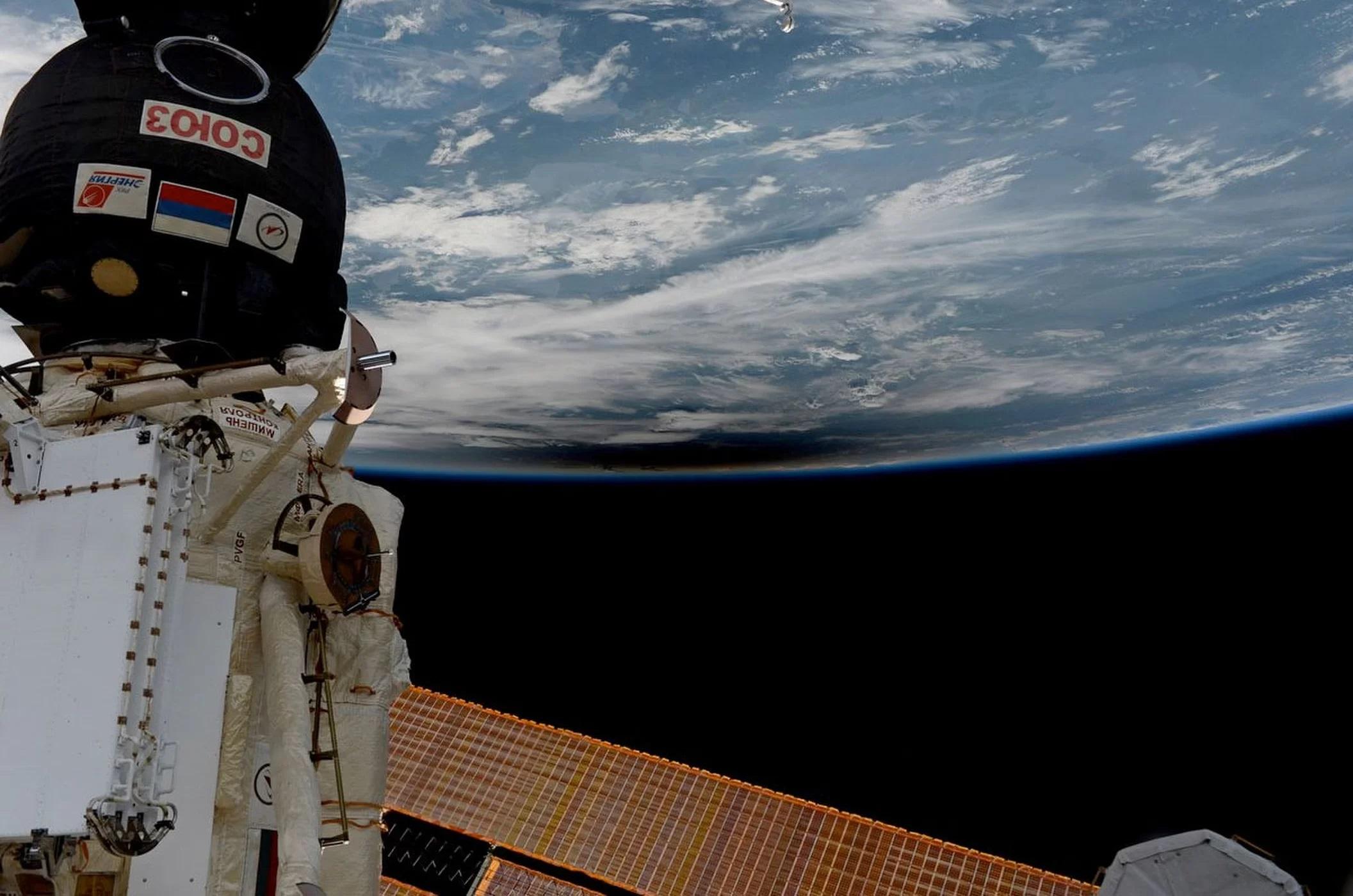 Widok astronautów na całkowite zaćmienie Słońca 21 sierpnia 2017.