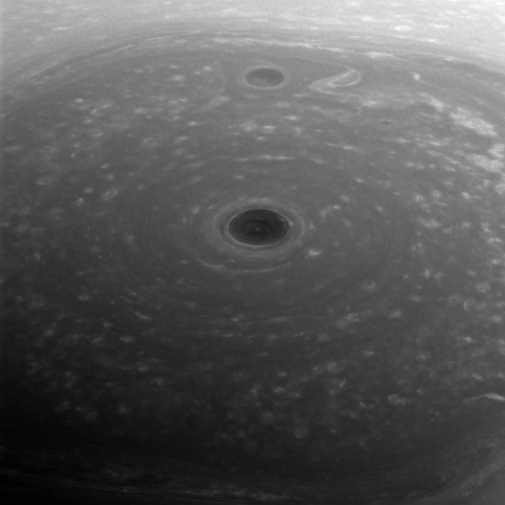 Biegun północny Saturna