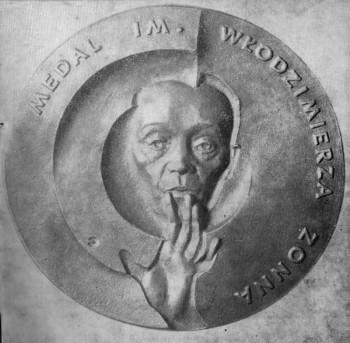 Awers medalu im Włodzimierza Zonna