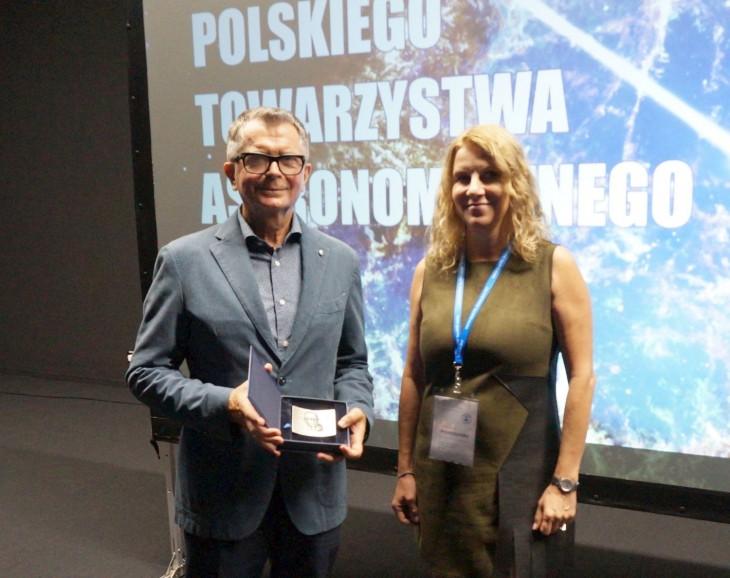 Profesor Aleksander Wolszczan wyróżniony Medalem Bohdana Paczyńskiego