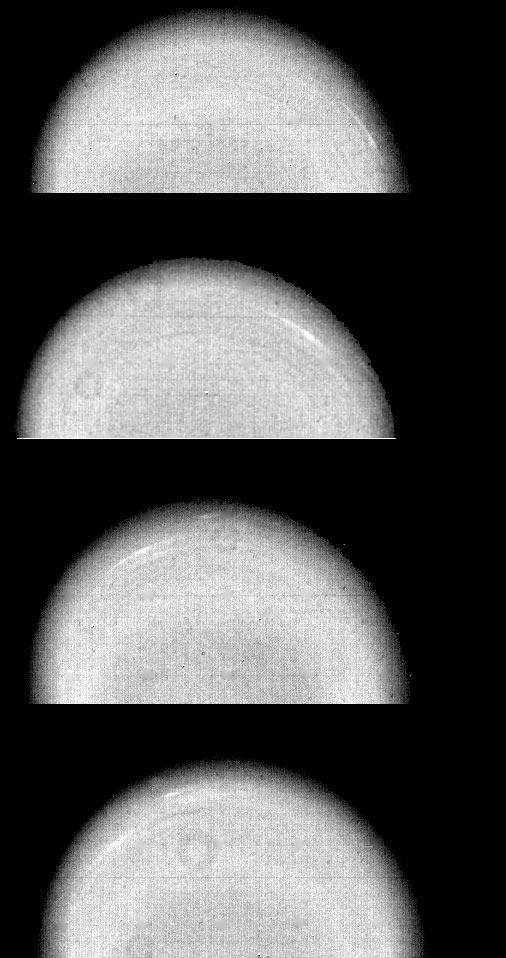 Voyager 2: ruch chmur w atmosferze Urana.