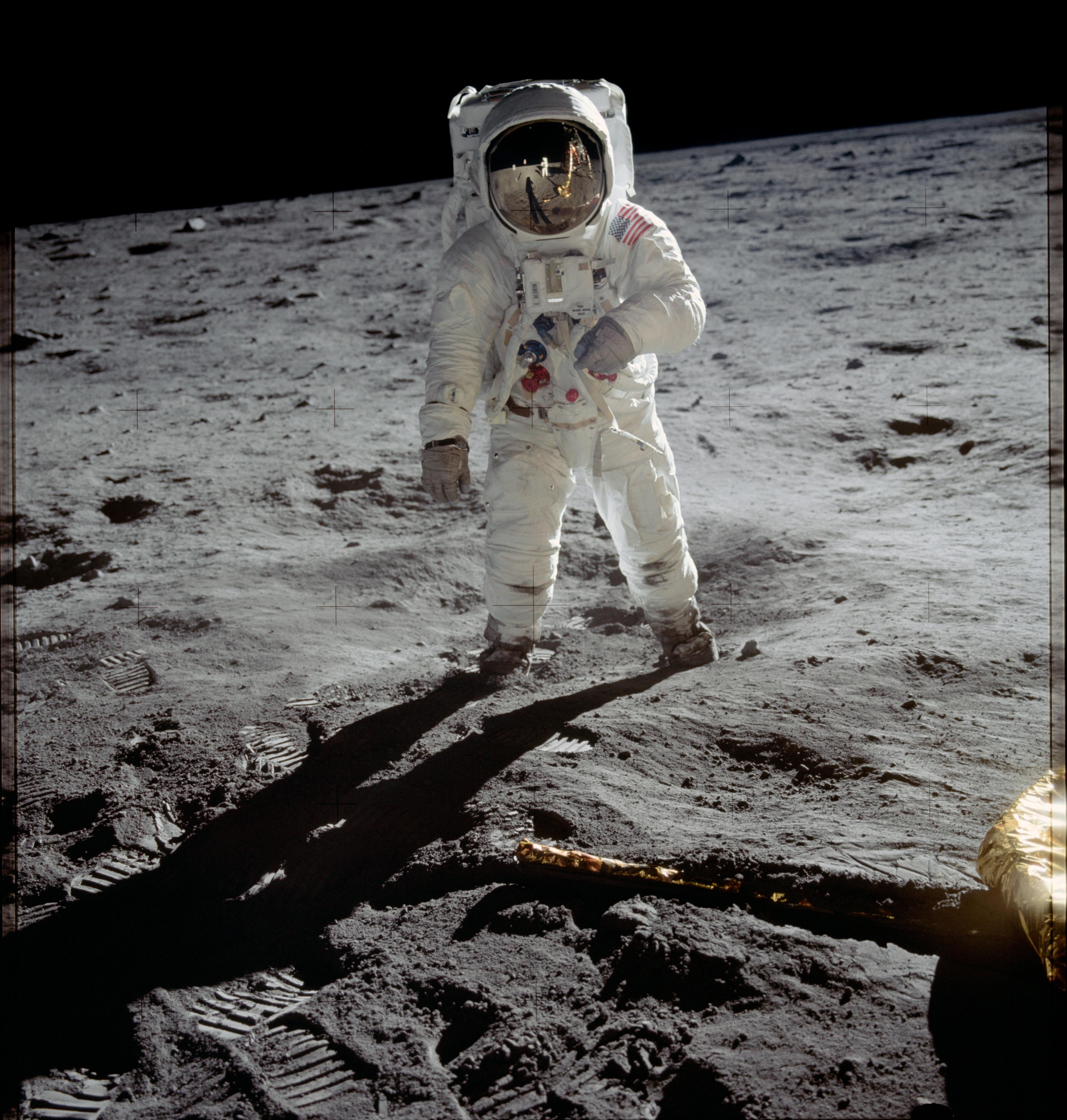 Pierwsze lądowanie człowieka naKsiężycu