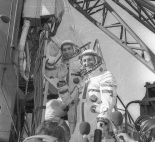 Lot Hermaszewskiego w kosmos