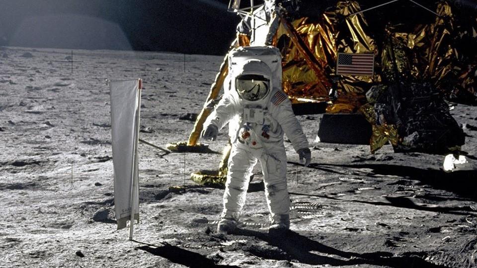 50 lat mineło - olądowaniu człowieka naKsiężycu @ Instytut Astronomiczny Uniwersytetu Wrocławskiego