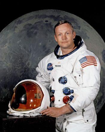 Urodziny Neila Armstronga