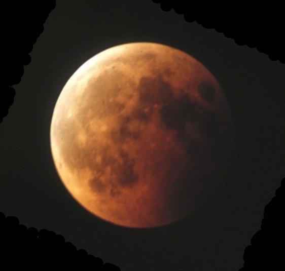 Zaćmiony Księżyc w Belfaście
