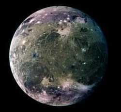 Ganimedes - największy księżyc Jowisza