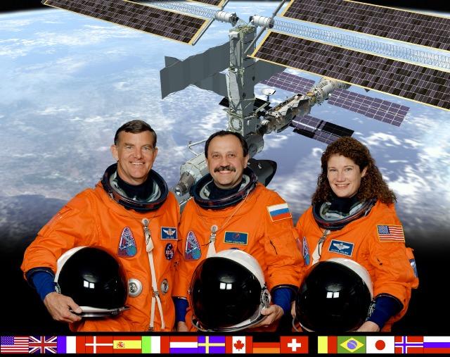 """Załoga misji """"Expedition Two"""""""