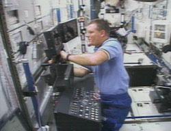 Jim Voss przy pracy