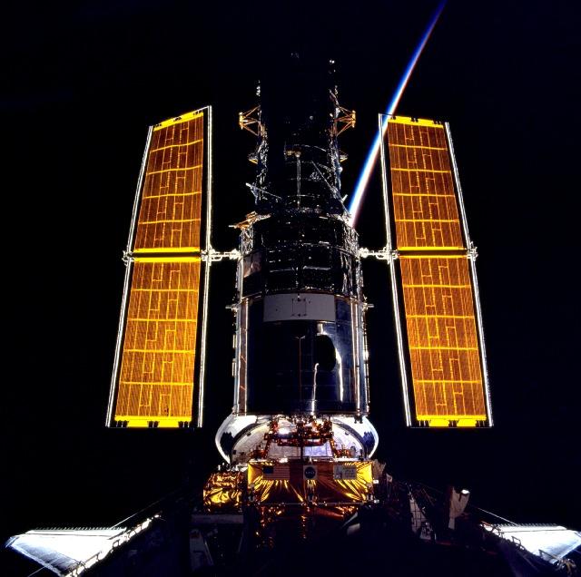 Hubble i świt w kosmosie