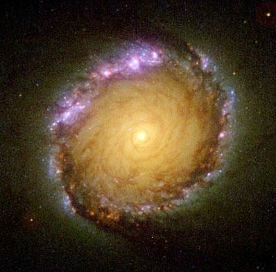 Centrum galaktyki NGC 1512