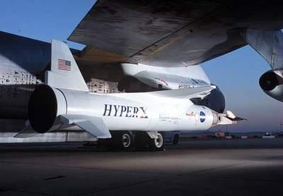 X-43A przymocowany dorakiety Pegasus