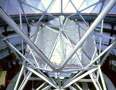 Główne zwieciadło 3 największego teleskopu świata