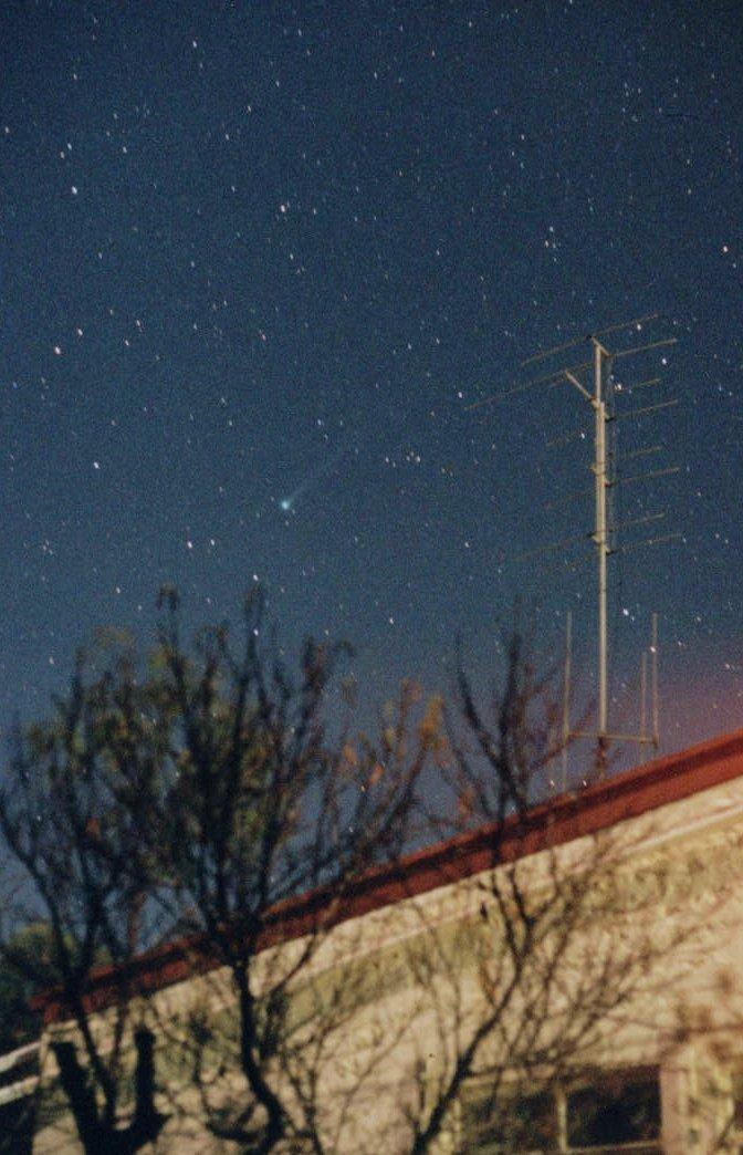 Kometa Linear C/2001 A2 widziana z Australii