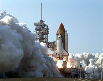Start promu Discovery (misja STS-105)