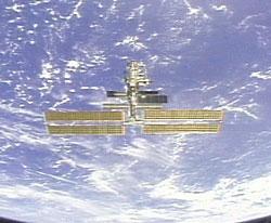 Stacja Kosmiczna widziana z wahadłowca Discovery