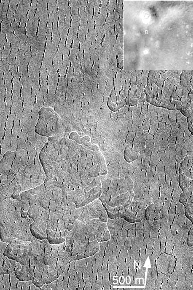 Popękana powierzchnia Marsa