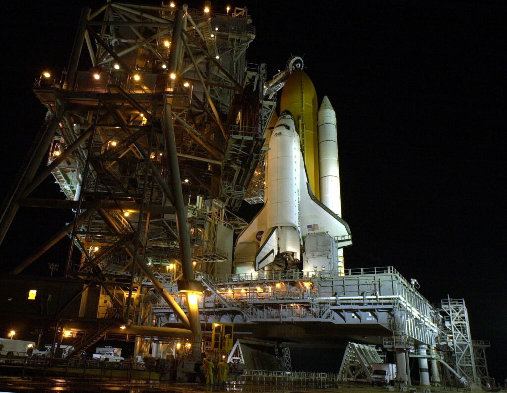 Endeavour na platformie startowej 39B w KSC