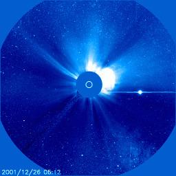 Rozbłysk na Słońcu z 26 grudnia 2001 roku