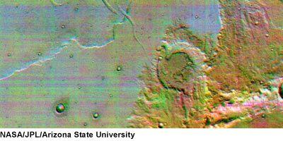Terra Sirenum w podczerwieni