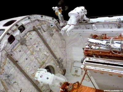 Początek pierwszego spaceru STS-109