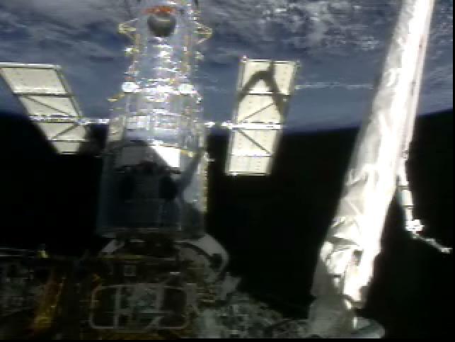 Kosmiczny Teleskop Hubble'a z nowymi panelami