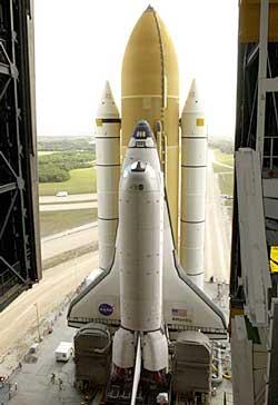 Atlantis w drodze na stanowisko startowe I