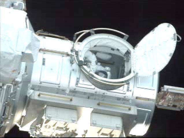 STS-110: pierwszy spacer kosmiczny (1)