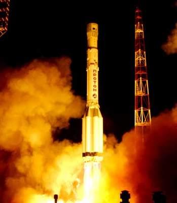 Start rakiety Proton zsatelitą DirecTV-5