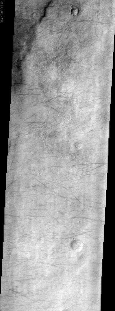 Ślady trąb powietrznych na Marsie