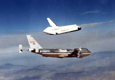 Enterprise odłącza się od Boeinga 747
