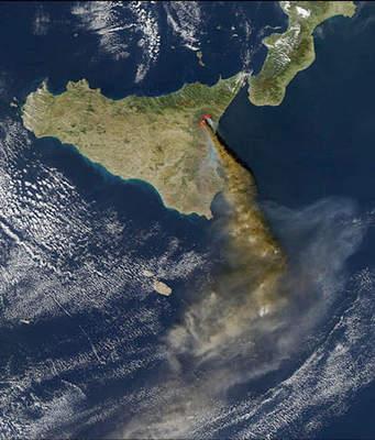 Erupcja Etny (2)