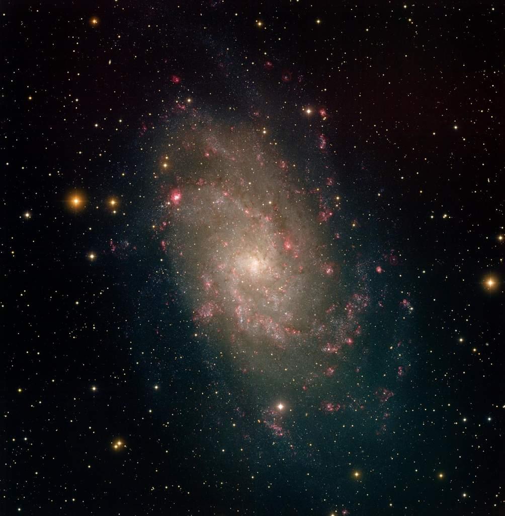 Galaktyka spiralna M33 wTrójkącie