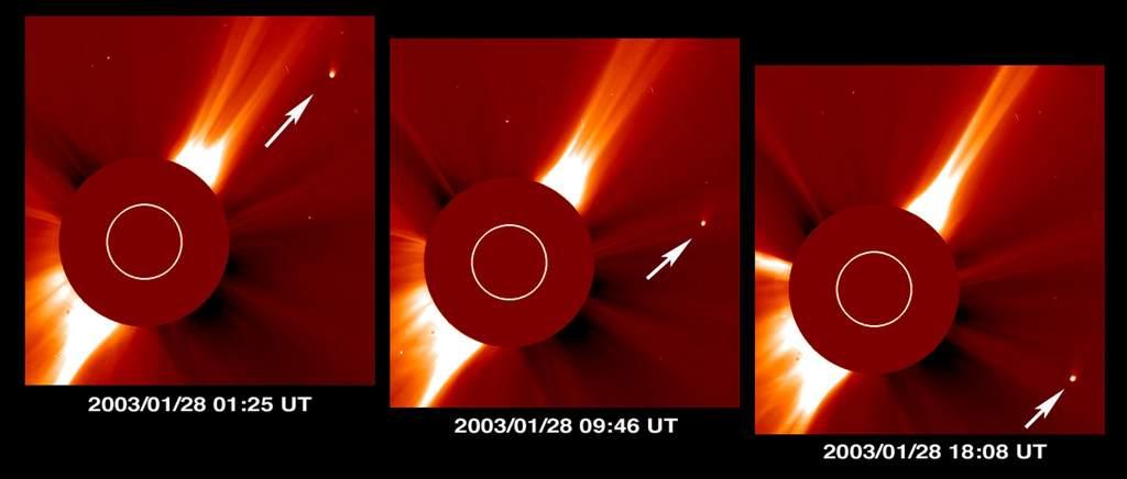 Kometa Kudo-Fujikawa obok Słońca