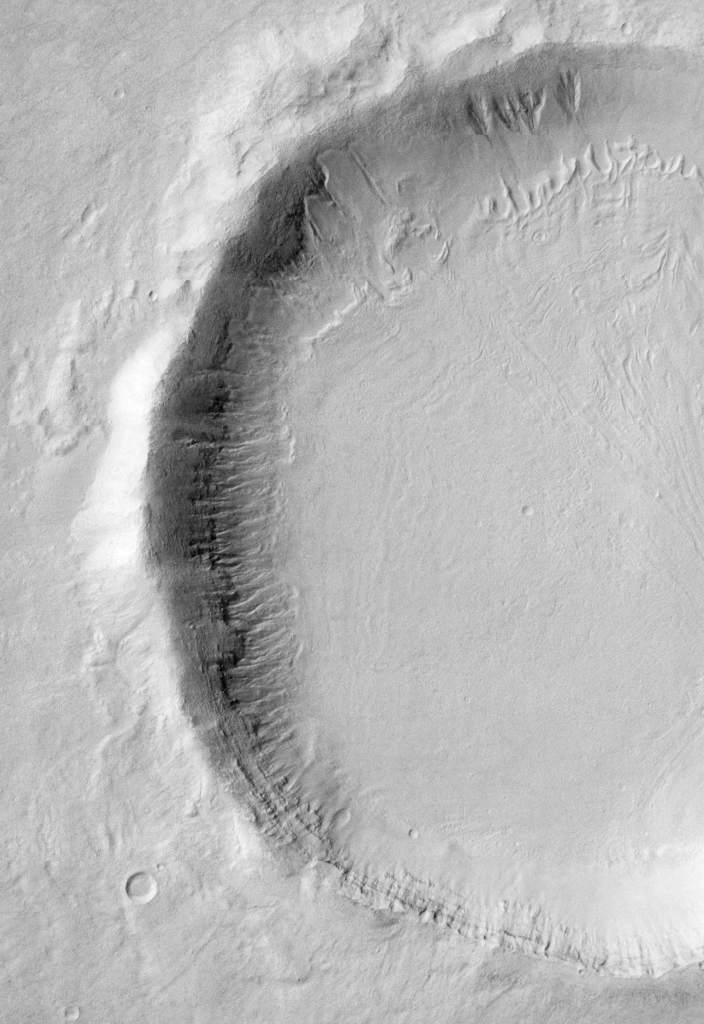 Śnieżne ściany na Marsie