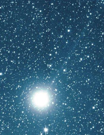 Kometa C/2002 Y1 Juels-Holvorcem