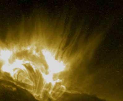"""""""Kijanki"""" w atmosferze Słońca"""