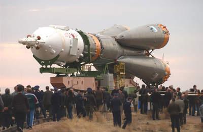 Sojuz TMA-2 wdrodze nastanowisko startowe
