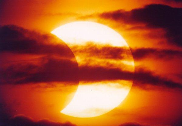 Zaćmienie Słońca 31 maja 2003 (IX)